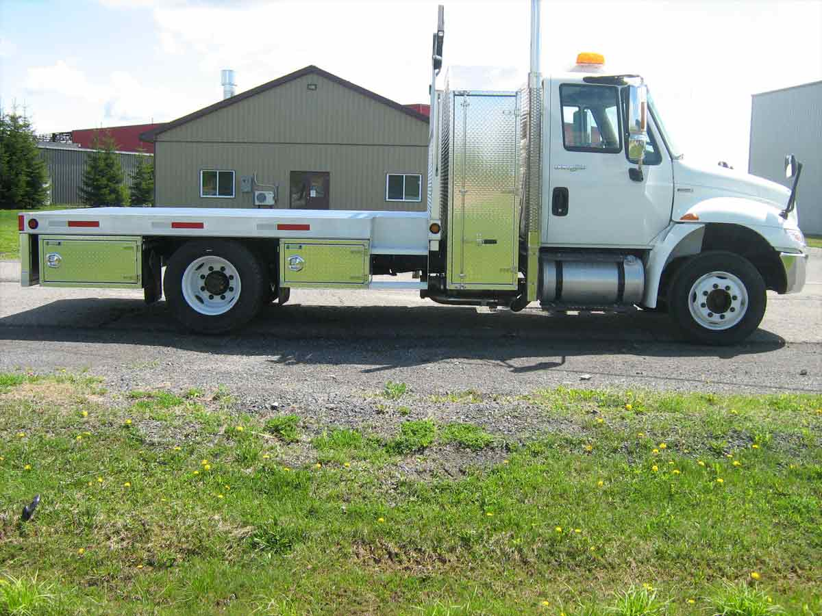 flatbed truck aluminum side